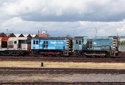 08 697 & 08 690 at Derby Etches Park on 4th June 2005 (2)