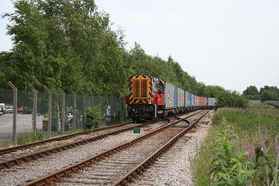 08 873 at Trafford Park (Barton Docks Estate) on 28th June 2005 (4)