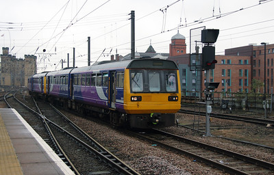 142 019 at Newcastle on 15th October 2016