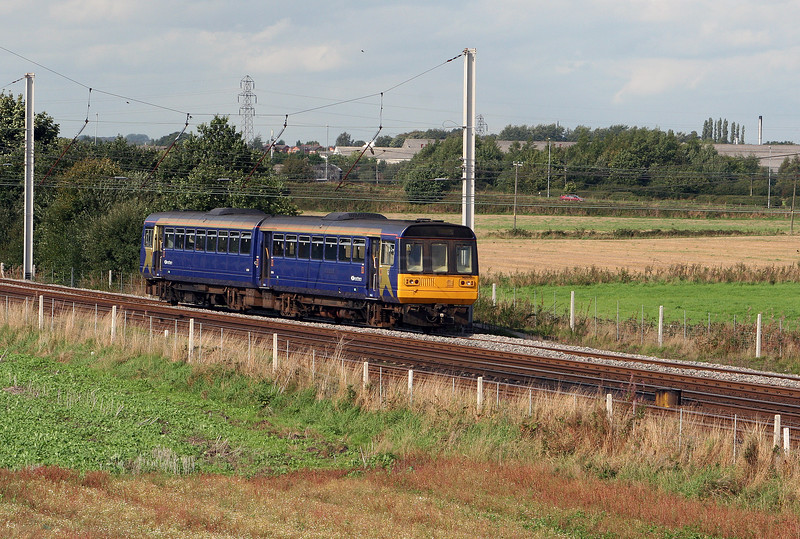 142 070 at Winwick Junction on 18th September 2006
