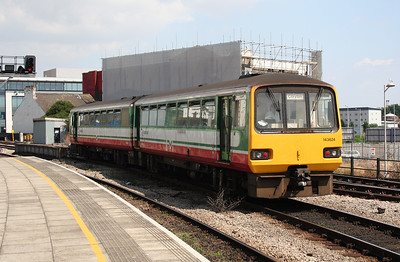 143 624 at Cardiff Central on 9th July 2005