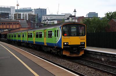 2) 150 009 at Birmingham Moor Street on 7th May 2011 working 2C46 1425 Stourbridge Junction to Dorridge
