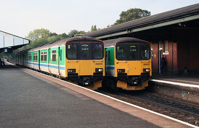 150 002 & 150 001 at Stourbridge Junction on 17th October 2005 (1)