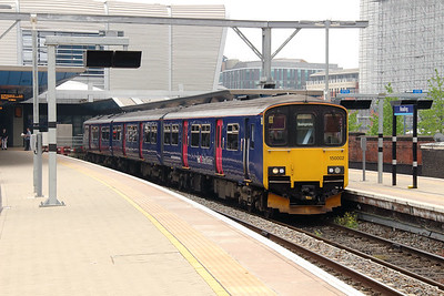 2) 150 002 at Reading on 8th June 2016