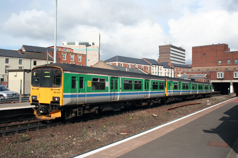 150 007 at Walsall on 1st October 2005 (2)