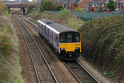 150 118 at Northwich East Junction on 24th October 2014 (1)