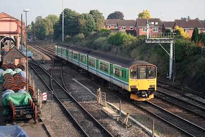 150 013 at Kidderminster on 17th October 2005 (2)