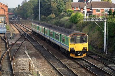 150 013 at Kidderminster on 17th October 2005 (1)