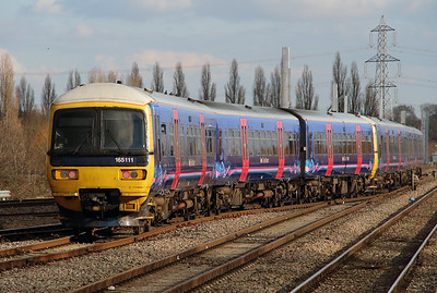 165 111 at Didcot Parkway on 23rd February 2016