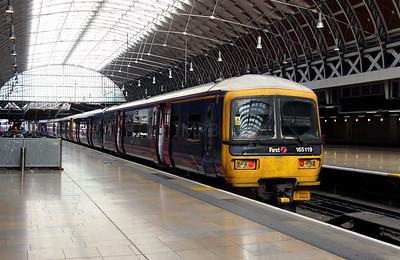 165 119 at London Paddington on 5th April 2014
