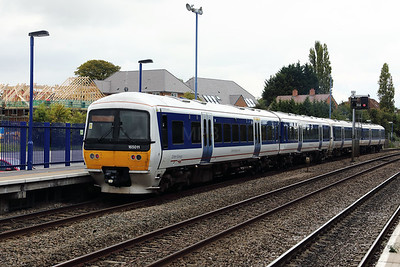 165 011 at Princes Risborough on 16th September 2017