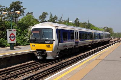 165 017 at Moor Park (LUL) on 22nd May 2012 working 2C29 1105 Aylesbury to London Marylebone