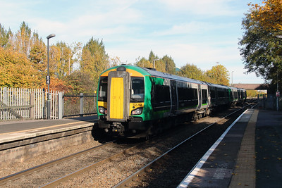 172 212 at Langley Green on 2nd November 2016
