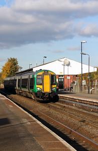 172 331 at Stourbridge Junction on 2nd November 2016