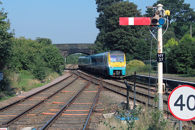 175 101 at Helsby on 14th September 2016