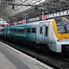 175 110 at Manchester Piccadilly on 7th July 2006 (1)