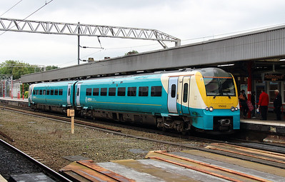 175 005 at Stockport on 6th September 2013