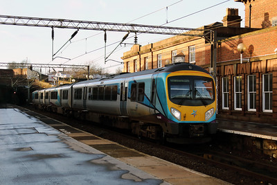 185 149 at Edge Hill on 23rd December 2017