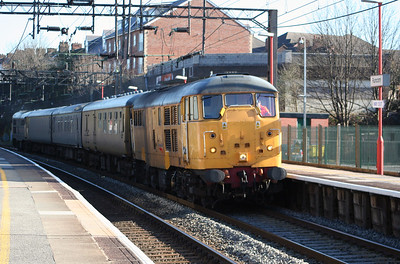 31 105 at Runcorn on 10th April 2006