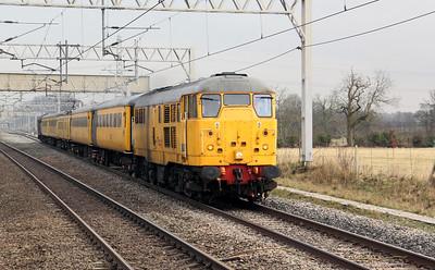 31 105 at Acton Bridge on 29th March 2010, 1Q18 (2)