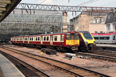 2) 314216 at Glasgow Central on 9th June 2016