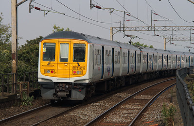 319218 at Runcorn on 21st September 2016