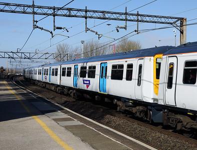319219 at Runcorn on 15th March 2017
