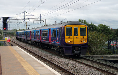 319 361 at Liverpool South Parkway on 25th September 2014 (4)