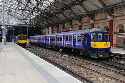 319 380 at Liverpool Lime Street on 19th May 2015 (2)