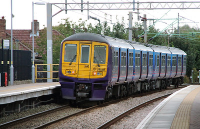 319 361 at Liverpool South Parkway on 25th September 2014 (7)