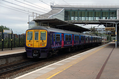 319 361 at Liverpool South Parkway on 25th September 2014 (16)