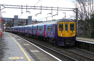 319 361 at Runcorn on 21st December 2014 working 5Z20 (3)