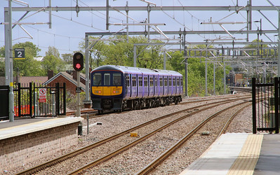 319 371 at Roby on 19th May 2015 working 2F52