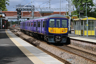 319 382 at Roby on 19th May 2015 (3)