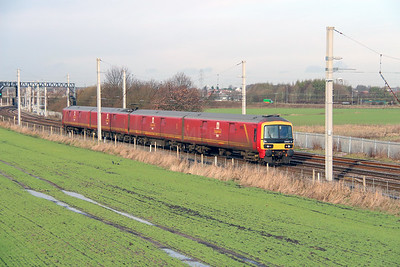 2) 325 007 at Winwick Junction on 19th December 2013 working 1S10 1000 Crewe IEMD to Carlisle