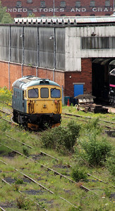 33 1xx at Burton on Trent on 30th May 2012