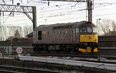 3) 33 207 at Manchester Piccadilly on 17th December 2010