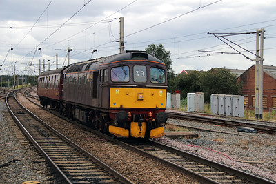 33 029 at Warrington Bank Quay on 17th September 2012 working 5Z00 0945 Southall Depot to Carnforth Steamtown