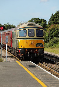 1) D6515 (33012) at Wareham on 31st August 2017