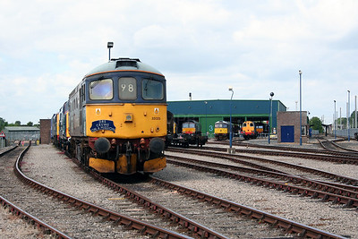 4) 33 025 at Carlisle Kingmoor DRS Depot on 11th June 2005