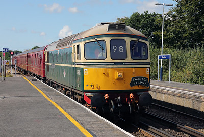 2) D6515 (33012) at Wareham on 31st August 2017