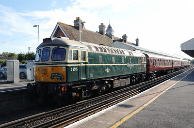 8) D6515 (33012) at Wareham on 31st August 2017
