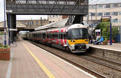 332 002 at Hayes & Harlington on 5th April 2014