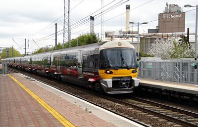 332 012 at Hayes & Harlington on 5th April 2014