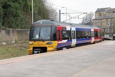 333 001 at Shipley on 15th April 2016