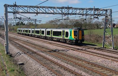 350 120 at Acton Bridge on 19th April 2016