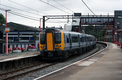 350 126 at Runcorn on 2nd August 2006 (2)