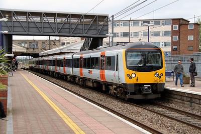 360 202 at Hayes & Harlington on 5th April 2014