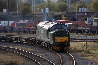 37 411 at Warrington Arpley on 2nd November 2007 (4)