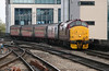 37 419 at Cardiff Central on 26th November 2005, 2F22 1114 Rhymney-Cardiff Central (2)